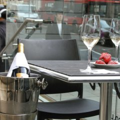 Отель Ambassadors Bloomsbury гостиничный бар
