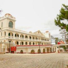 Отель Dalat Palace Далат парковка
