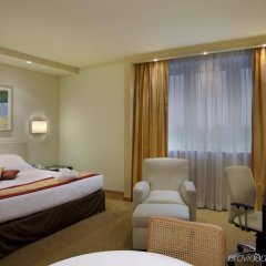 Отель Crowne Plaza Padova (ex.holiday Inn) Падуя комната для гостей фото 2
