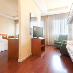 Отель Tryp Madrid Chamartin Испания, Мадрид - 1 отзыв об отеле, цены и фото номеров - забронировать отель Tryp Madrid Chamartin онлайн комната для гостей фото 5