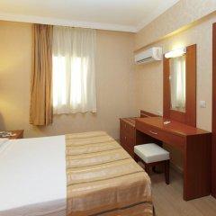 Julian Club Hotel сейф в номере