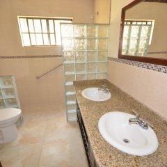 Отель Dukes Hideaway, Silver Sands 6BR ванная