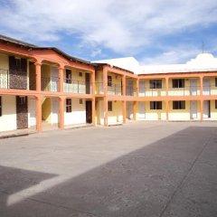 Отель Los Pinos Мексика, Креэль - отзывы, цены и фото номеров - забронировать отель Los Pinos онлайн парковка
