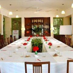 Отель WelcomHeritage Maharani Bagh Orchard Retreat