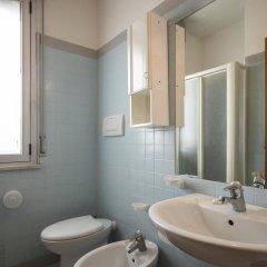 Отель Residence Villa Azzurra Италия, Римини - отзывы, цены и фото номеров - забронировать отель Residence Villa Azzurra онлайн ванная