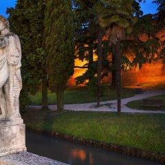Отель Albergo Al Moretto Италия, Кастельфранко - отзывы, цены и фото номеров - забронировать отель Albergo Al Moretto онлайн спортивное сооружение