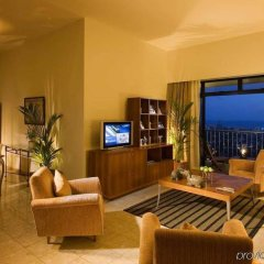 Отель Hilton Colombo Residence Шри-Ланка, Коломбо - отзывы, цены и фото номеров - забронировать отель Hilton Colombo Residence онлайн интерьер отеля фото 2