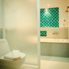Отель The Green Beach Resort ванная фото 2