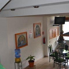 Отель Costa Brava Мексика, Гвадалахара - отзывы, цены и фото номеров - забронировать отель Costa Brava онлайн интерьер отеля фото 2