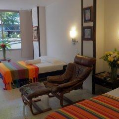 Отель Casa Santa Mónica Колумбия, Кали - отзывы, цены и фото номеров - забронировать отель Casa Santa Mónica онлайн удобства в номере