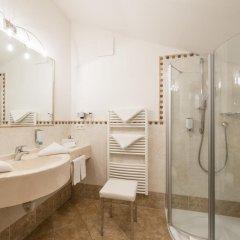 Hotel Sonnenburg Меран ванная