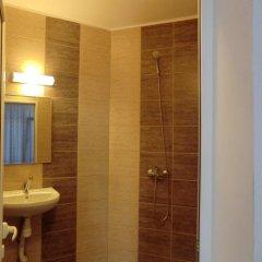 Отель Guest House Petrovi Болгария, Равда - отзывы, цены и фото номеров - забронировать отель Guest House Petrovi онлайн ванная