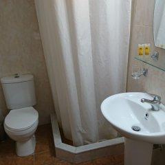 Отель Eleni Rooms ванная фото 3