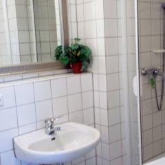 Отель FeWo II, V und VI - Altstadt - Am grossen Garten Германия, Дрезден - отзывы, цены и фото номеров - забронировать отель FeWo II, V und VI - Altstadt - Am grossen Garten онлайн ванная