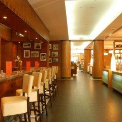 Отель Courtyard by Marriott Tbilisi Тбилиси гостиничный бар