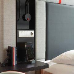 Отель citizenM Amstel Amsterdam Нидерланды, Амстердам - отзывы, цены и фото номеров - забронировать отель citizenM Amstel Amsterdam онлайн сейф в номере