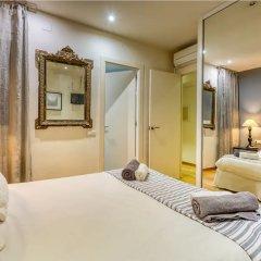 Отель Luxury Apartment near Diagonal Испания, Барселона - отзывы, цены и фото номеров - забронировать отель Luxury Apartment near Diagonal онлайн комната для гостей