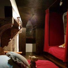 Отель Guest House Nuit Blanche развлечения