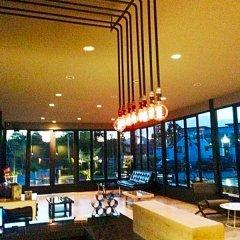 Отель De Coco House Sriracha гостиничный бар