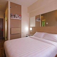 Отель Red Planet Aseana City, Manila комната для гостей фото 2