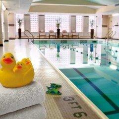 Отель New York Marriott Downtown США, Нью-Йорк - отзывы, цены и фото номеров - забронировать отель New York Marriott Downtown онлайн бассейн