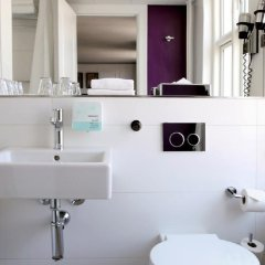 Отель Absalon Hotel Дания, Копенгаген - 1 отзыв об отеле, цены и фото номеров - забронировать отель Absalon Hotel онлайн ванная фото 2