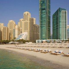 Отель DoubleTree by Hilton Dubai Jumeirah Beach пляж фото 2