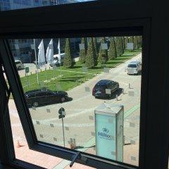Отель Hilton Munich Airport Германия, Мюнхен - 7 отзывов об отеле, цены и фото номеров - забронировать отель Hilton Munich Airport онлайн балкон
