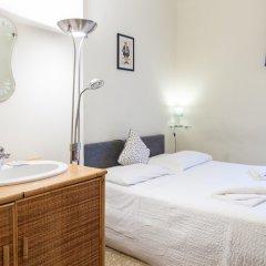 Отель Bed & Bed Cassia Италия, Флоренция - 10 отзывов об отеле, цены и фото номеров - забронировать отель Bed & Bed Cassia онлайн комната для гостей фото 6