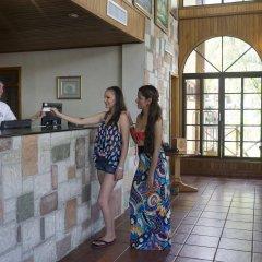 Отель Telamar Resort Гондурас, Тела - отзывы, цены и фото номеров - забронировать отель Telamar Resort онлайн интерьер отеля
