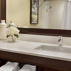 Отель Renaissance Los Angeles Airport Hotel США, Лос-Анджелес - 8 отзывов об отеле, цены и фото номеров - забронировать отель Renaissance Los Angeles Airport Hotel онлайн ванная фото 2