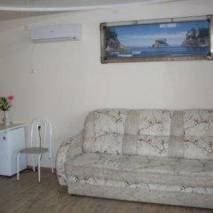 Гостиница Karmen Guest House в Ейске отзывы, цены и фото номеров - забронировать гостиницу Karmen Guest House онлайн Ейск комната для гостей фото 2