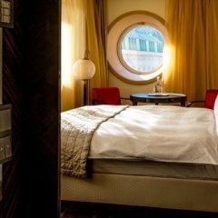Отель LAMEE Вена сейф в номере