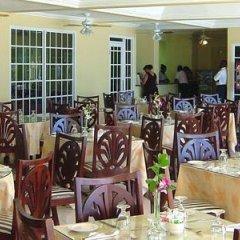 Отель Rooms on the Beach Ocho Rios Ямайка, Очо-Риос - 8 отзывов об отеле, цены и фото номеров - забронировать отель Rooms on the Beach Ocho Rios онлайн питание фото 4