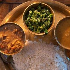 Отель OYO 137 Hotel Pranisha Inn Непал, Катманду - отзывы, цены и фото номеров - забронировать отель OYO 137 Hotel Pranisha Inn онлайн питание