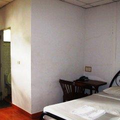 Отель Little Home Guesthouse Паттайя сейф в номере