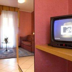 Hotel Junior Римини сейф в номере