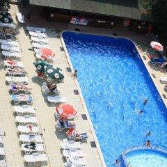 Hotel Varshava Золотые пески бассейн