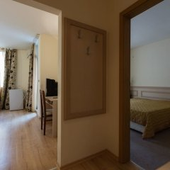 Апартаменты One Bedroom Apartment with Balcony комната для гостей фото 2