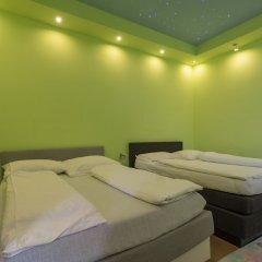 Апартаменты Fanaa Apartment Вена сейф в номере