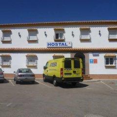 Отель Hostal Los Mellizos Испания, Кониль-де-ла-Фронтера - отзывы, цены и фото номеров - забронировать отель Hostal Los Mellizos онлайн парковка