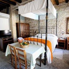 Отель Leonidas Village Houses комната для гостей