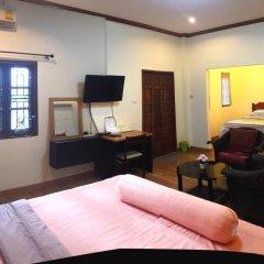 Отель Phuket Airport Suites & Lounge Bar - Club 96 Стандартный номер с различными типами кроватей фото 5
