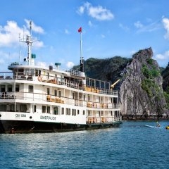 Отель Emeraude Classic Cruises Вьетнам, Халонг - отзывы, цены и фото номеров - забронировать отель Emeraude Classic Cruises онлайн пляж