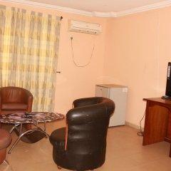 Отель Afara Castle Hotel Нигерия, Калабар - отзывы, цены и фото номеров - забронировать отель Afara Castle Hotel онлайн удобства в номере фото 2