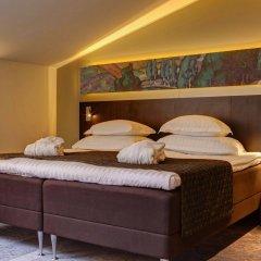 Отель Scandic Palace сейф в номере