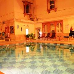 Suryaa Villa - A City Centre Hotel бассейн фото 3