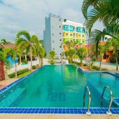 Отель Phaithong Sotel Resort бассейн
