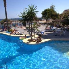 Отель Apartamentos Playa Moreia бассейн