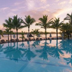 Отель Shandrani Beachcomber Resort & Spa All Inclusive бассейн